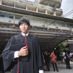 Farn Song Graduation Day